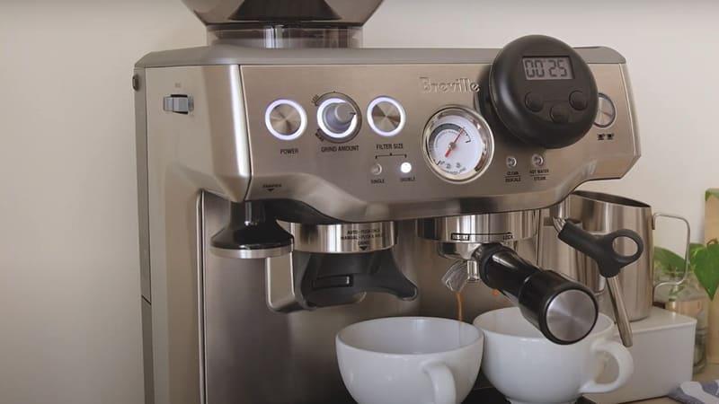 Breville Barista Express Making Espresso