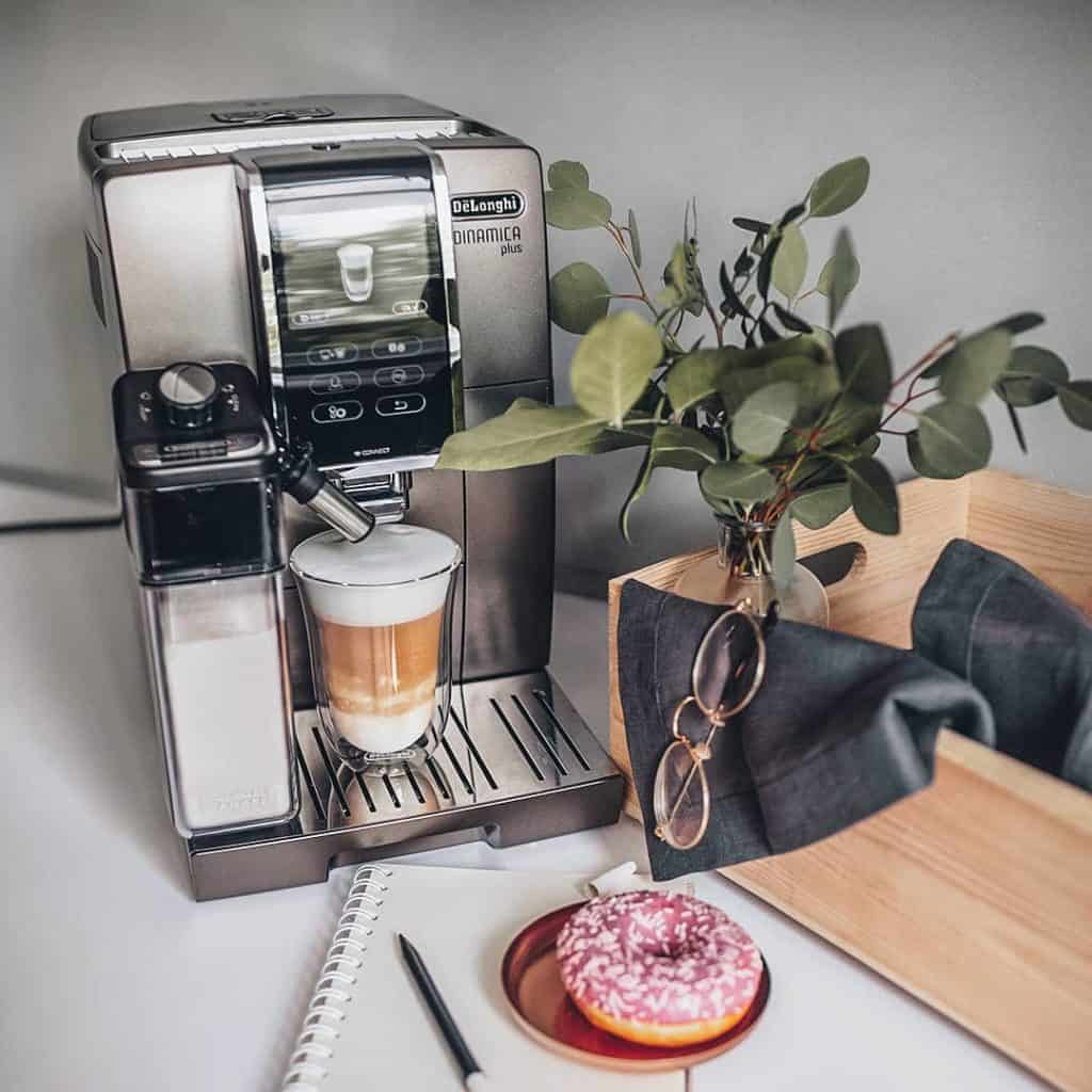 Delonghi Dinamica Plus: Color touch display