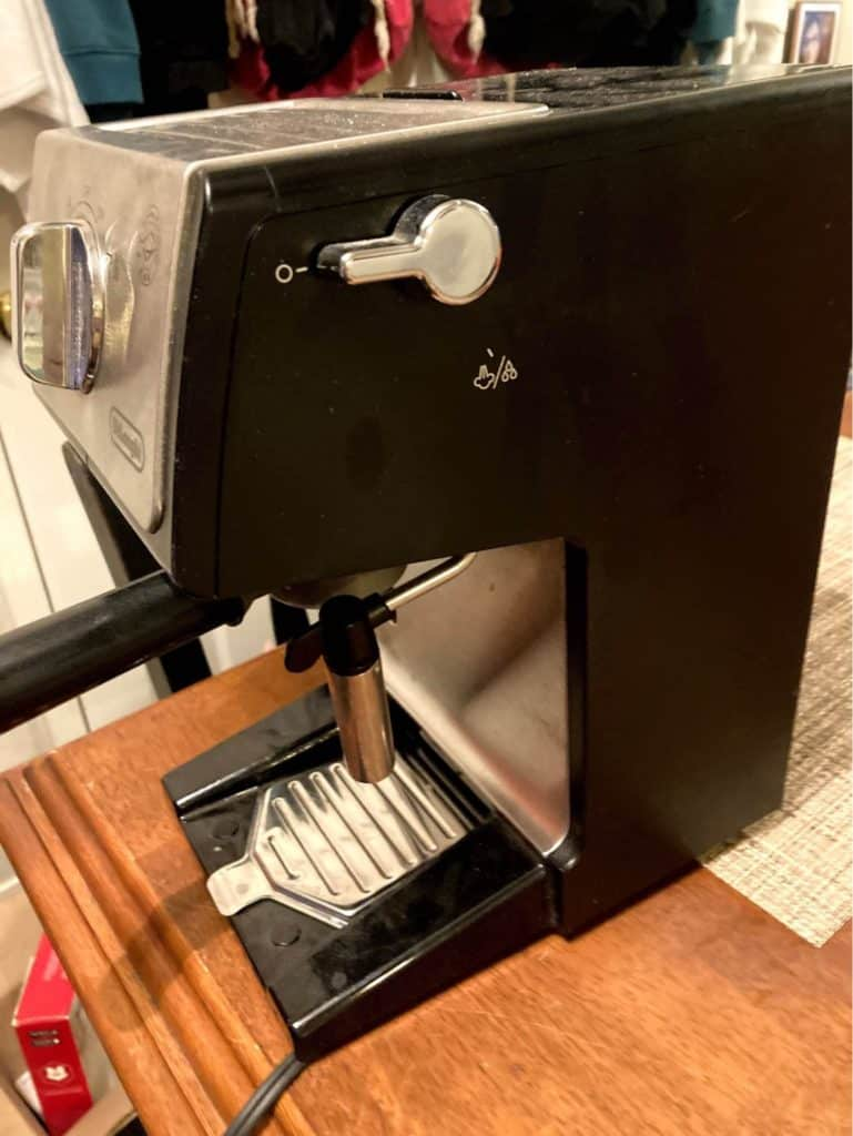 Delonghi ECP3420 without the drip tray fits taller cups