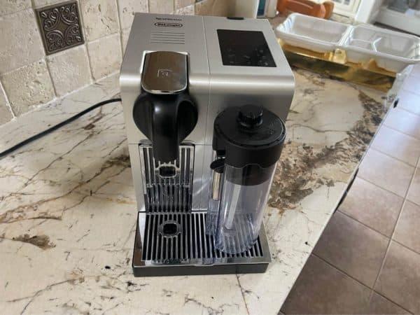 Delonghi Espresso Lattissima Pro comes with a hot water dispenser function
