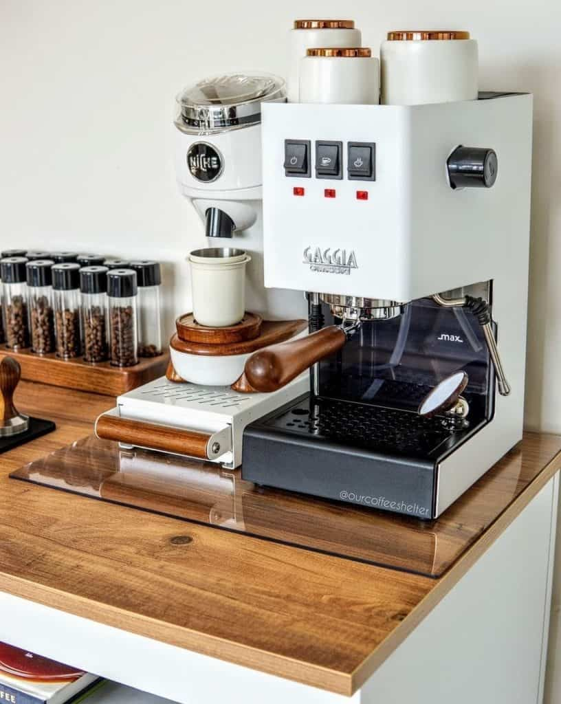 Gaggia Classic is designed with a dual heating element