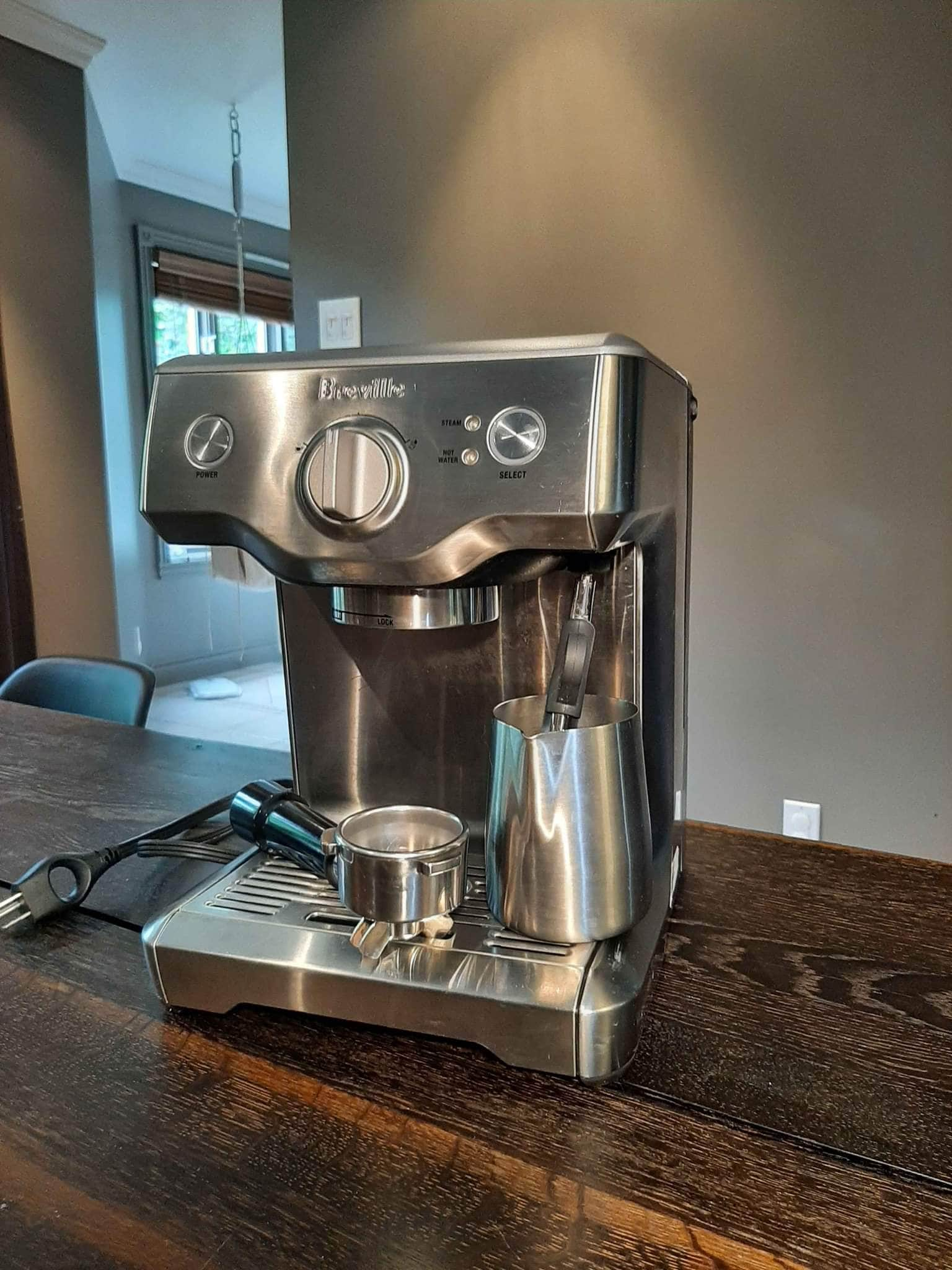 Breville Duo Temp Pro is designed with cleaning alert and auto-purge cycle