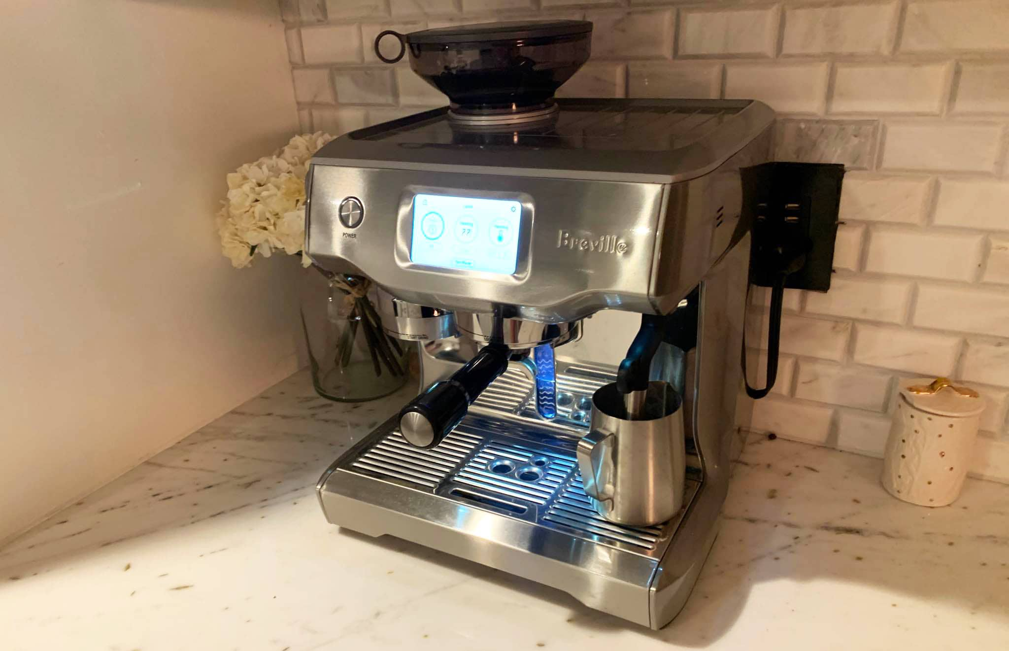 Breville Oracle Touch Milk Frothing
