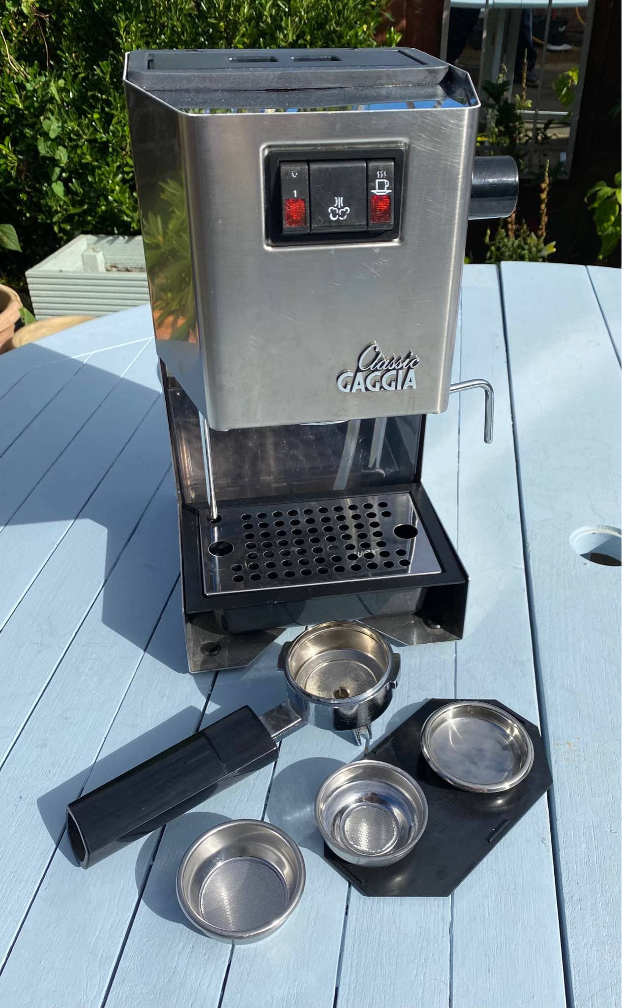 Gaggia Classic is equipped with a 72oz water tank